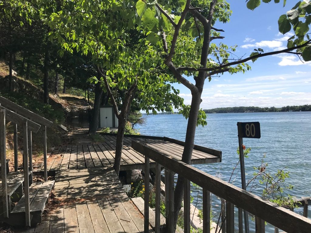 80 Club Island, Near Rockport, ON